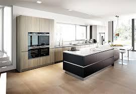 kche weiss hochglanz mit braun fliesen wohndesign ehrfürchtiges moderne dekoration küche weiss