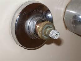 how to fix a bathtub faucet leak leaking bathtub faucet nicupatoi com