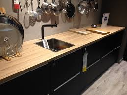 cuisine ikea chene comparaison plan de travauil bois ou stratifié cuisine ikea chêne