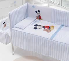 chambre mickey bébé chambre bébé mickey galerie avec delightful linge de lit bebe mickey