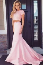 dresses to wear to a wedding 20 beautiful dresses you can wear to your best friend s wedding