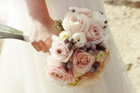 brides bouquet why do brides throw the bouquet at weddings flowers tradition