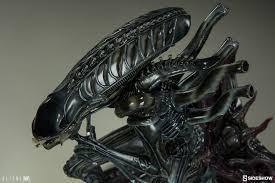 aliens alien warrior statue sideshow collectibles sideshow