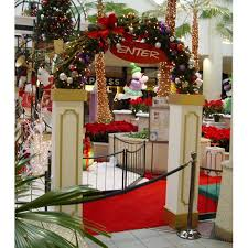 Christmas Decoration Sale Online Canada by Best 25 Commercial Christmas Decorations Ideas On Pinterest