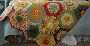 quilt pattern round and round simple hexagons make this merry go round quilt quilting cubby