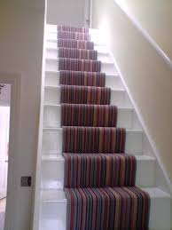 patterned stair runner image courtesy of nikkibs com apply cool