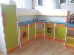 faire une cuisine pour enfant cuisine pour fille intérieur intérieur minimaliste