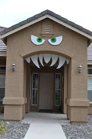 Scary Halloween Decorations On Pinterest by Best 25 Halloween Outside Ideas On Pinterest When U0027s Halloween