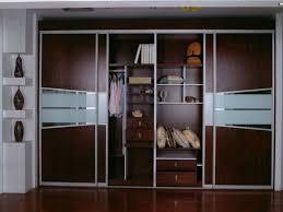 armoire moderne chambre l armoire avec porte coulissante pour la chambre a coucher