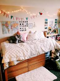 cheap bedroom decorating ideas 55 room decorating ideas on a budget wholiving