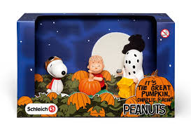 snoopy halloween background amazon com schleich peanuts halloween scenery pack toys u0026 games