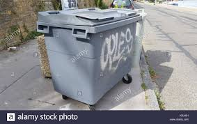 wheelie bin industrial stock photos u0026 wheelie bin industrial stock