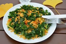 comment cuisiner le chou kale salade détox de chou kale et lentilles au curcuma vegan au
