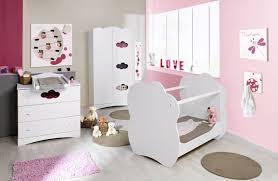 chambre bébé fille theme papillon