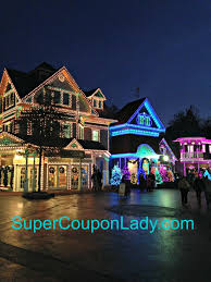 smoky mountain christmas festival at dollywood in pigeon forge tn