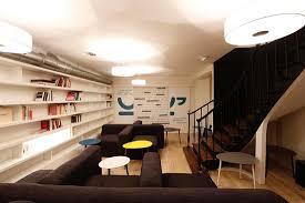 canapé cosy espace cosy canapé bibliothèque picture of cosy corner coworking