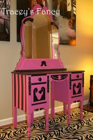 48 best pink black and silver rooms images on pinterest pink i ve been wanting to paint my vanity hot pink