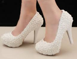 pearl wedding shoes 27 best skoene images on shoes wedding shoes and