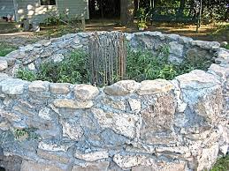 keyhole garden layout keyhole gardening hgtv