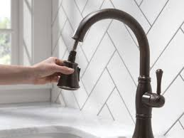 Venetian Bronze Kitchen Faucet by Faucet Com 9197 Rb Dst In Venetian Bronze By Delta