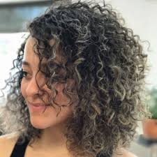how to stlye a stacked bob with wavy hair 32 cutest curly bob hairstyles haircuts for women in 2018
