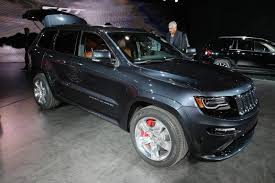 luxury jeep grand cherokee 2014 jeep grand cherokee srt live photos and video from detroit