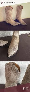 gringo s boots size 9 cowboy boots worn once for a wedding cowboy theme shoes
