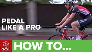 how to dress pro cyclingtips how to pedal like a pro youtube