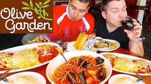 olive garden family meal deal fettuccine alfredo noodles u0026 mozzarella chicken parmesan u2022 olive