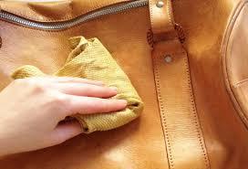 comment nettoyer un canapé en cuir jaune comment nettoyer un sac en cuir dwého