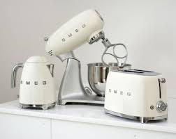if you love the smeg fridge you ll want these new smeg kitchen smeg sda 2 copy