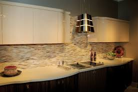 Kitchen Backsplash Tile Pictures by Cream Kitchen Backsplash With Glass Tiles U2013 Home Design And Decor