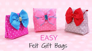 where to buy goodie bags how to make a gift bag diy small gift bags felt crafts easy