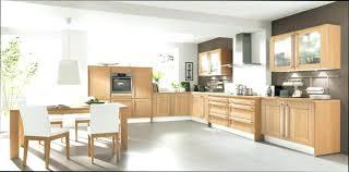 peinturer armoire de cuisine en bois peindre meuble cuisine en bois couleur peinture cuisine orange