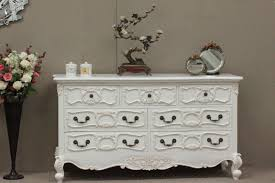 How To Paint Old Furniture by How To Paint Shabby Chic Furniture