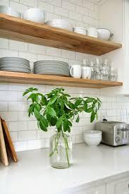 astuce deco cuisine installer etageres ouvertes idee astuce deco cuisine frenchyfancy