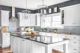 are wood kitchen cabinets still in style selecting kitchen cabinets
