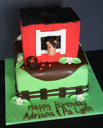 a horse in a barn cake