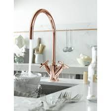 robinet cuisine cuivre mitigeur contemporain à finition or et cuivre pour cuisine tara