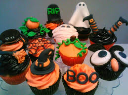 Halloween Cupcakes And Cakes by Halloween Cupcake Decorations Cute And Fluffy Cupcake
