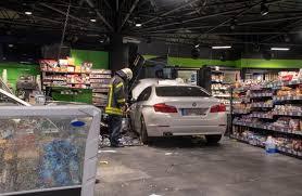 si e auto r lementation fw bo kurioser unfall in der nacht zu dienstag pkw fährt in