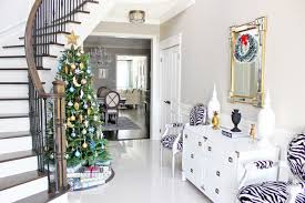 Banister Christmas Garland 100 Awesome Christmas Stairs Decoration Ideas Digsdigs
