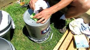 How Do Self Watering Planters Work Trg 2012 1 Of 2 How To Build A 5 Gallon Self Wicking Tomato