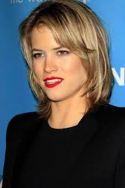 layered hairstyles with bangs and tuck behind the ears 50 trendiest short blonde hairstyles and haircuts