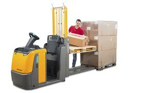 ergonomic lift relieves back strain in order picking applications