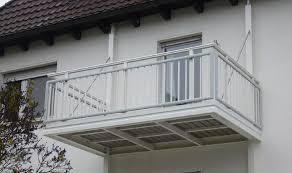 kosten balkon anbauen freitragender balkon leeb balkone und zäune