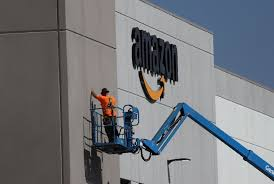 yahoo amazon black friday bidding war heats up for 5 billion second amazon hq