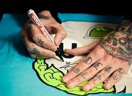 oli sykes tattooed hands y0u me at seven flickr