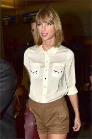 taylor swift lob haircut how bobs bangs extensions ins and outs of hairstyling vogue it