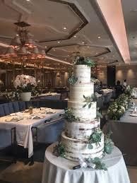wedding cake surabaya harga wedding cake by lareia cake co bridestory
